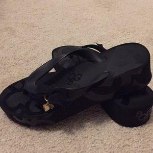 BCBG black flip flops